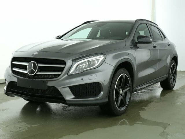 Mercedes-Benz GLA 220d 4Matic AMG Line Distronic