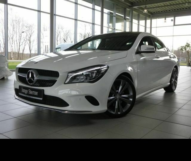 Mercedes-Benz CLA 200 Urban Toit panoramique LED GPS