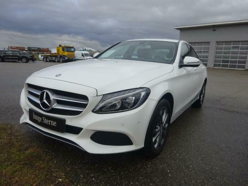Mercedes-Benz C 220 d 4M Avantgarde+LED+GPS+PDC