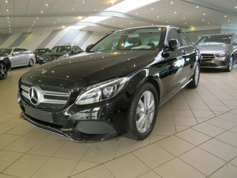 Mercedes-Benz C 220d 9G + LED + GPS