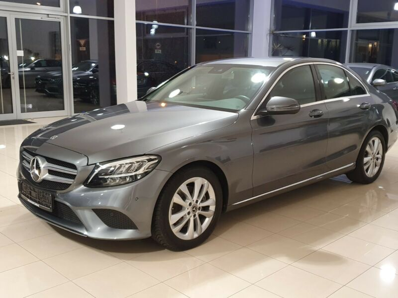 Mercedes-Benz C 300d, Avantgarde, LED, Attelage, Camera, GPS, Distronink